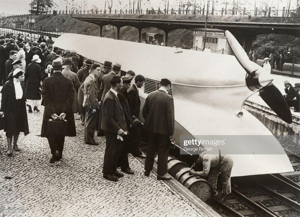 121 Rail Zeppelin Locomotive Getting Gas.jpg