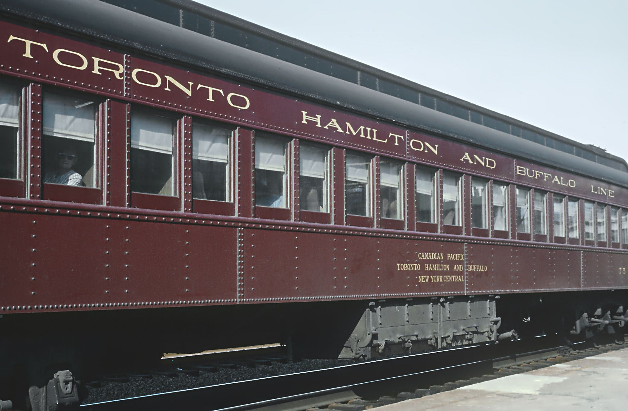 Toronto,_Hamilton_and_Buffalo_on_CP,_Train_322,_the_Ontarian_at_Sunnyside_station,_Toronto,_On...jpg